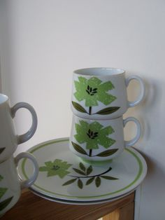 8 piece Vintage Bittersweet Dinnerware Set by lookonmytreasures on Etsy Vintage Dishes, Cream And Sugar, China Patterns, Retro Home, Green Flowers, Vintage Fabrics, Pastel Colors, Dinnerware, Coffee Cups