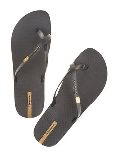 87728031f766a Black crossover flip-flops Chinelos Ipanema
