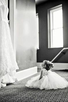 lovely pre-wedding photo idea