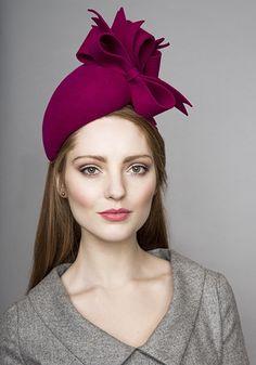 Rachel Trevor-Morgan | Pink felt teardrop pillbox with felt bows