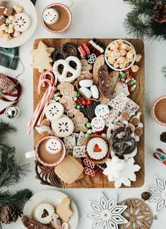 Channel your inner Willy Wonka with this holiday cookie and candy board . , Channel your inner Willy Wonka with this holiday cookie and candy board # Holiday cookies Tiny Christmas Trees, Christmas On A Budget, Christmas Holidays, Christmas Tea, Christmas Sangria, Modern Christmas, Minimal Christmas, White Christmas, Christmas Decorations