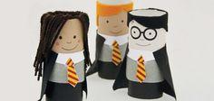Harry Potter y sus amigos con tubos de papel higiénico