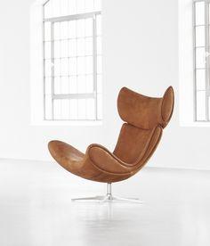 The design icon Imola in caramel Oxford leather
