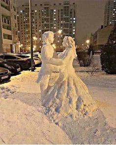 Sculpture en neige à St Petersbourg ! Winter Szenen, I Love Winter, Winter Magic, Winter Christmas, Ice Art, I Love Snow, Snow Sculptures, Metal Sculptures, Snow Art