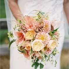 Love the size, volume and texture of this one!  Photo by Holly Chapple Flowers - http://thefullbouquetblog.com/