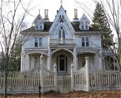 This is how i picture the house the widow and her sister and Huck live in.