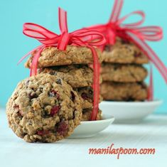 Chewy, moist and delicious cookies! Cranberries give these yummy cookies a fresh tangy flavor which perfectly contrasts with chocolate and cinnamon spice. Perfect sweet treat for Thanksgiving, Christmas and New Year! Cranberry Cookies, Holiday Cookies, Holiday Desserts, Holiday Baking, Christmas Baking, Christmas Treats, Holiday Treats, Christmas Recipes, Christmas Foods