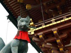 伏見稲荷大社 楼門前のおキツネさんのフリー写真素材|東京・日本の街のフリー無料写真素材集【街画ガイド】 Fair Grounds
