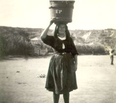 Susak_Woman_Everyday.jpg 5.509×4.885 pixels