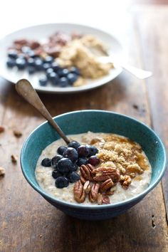 Flax and Blueberry Vanilla Overnight Oats - I can't think of a quick and easy breakfast that I love more.