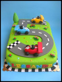 Racecars Circuit Cake - For this cake I took inspiration from Andrea Sweet Cake on Flickr, and Louise (Cake Journal).