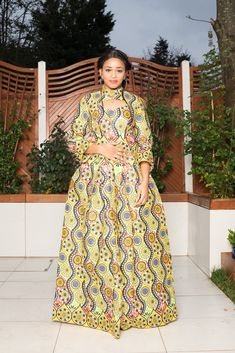 Neo African Print Maxi Dress Best African Dress Designs, Best African Dresses, African Fashion Dresses, African Attire, Ghana Style, Shweshwe Dresses, Maxi Robes, Ethnic Dress, African Beauty