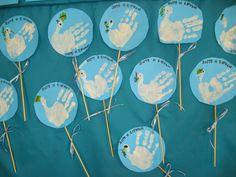 Αποτέλεσμα εικόνας για περιστερι ειρηνης κατασκευη Israel Independence Day, Diy And Crafts, Crafts For Kids, 28th October, Kindergarten Lessons, Peace, Flowers, Kids Arts And Crafts, Easy Kids Crafts