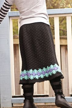 pretty skirt, link to Ravelry download