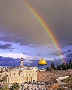 A rainbow over the Western Wall! Isn't it beautiful? #israel #jerusalem #beautiful #rainbow