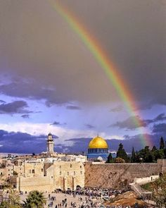 A rainbow over the Western Wall! Isn't it beautiful? #israel #jerusalem #beautiful #rainbow
