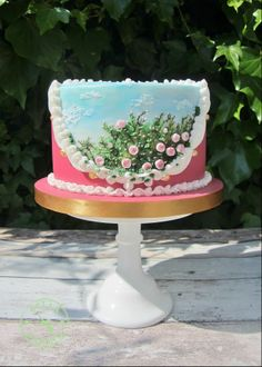 Hand painted, Royal Icing piped rose bush cake!