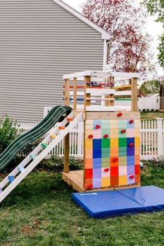 Get outdoors this summer with these budget friendly diy outdoor updates. Easy fun outdoor projects for your backyard, patio, front yard or garden. Diy Outdoor Furniture, Handmade Furniture, Wood Furniture, Backyard Playground, Backyard Patio, Backyard Ideas, Topsy Turvy Planter, Plastic Playhouse, Outdoor Projects