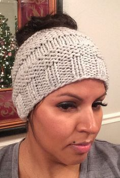 f8545118f2d Free Knitting Pattern for Messy Bun Hat - This ponytail hat is a quick knit  using