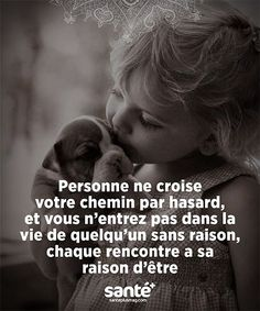 No one crosses your path by luck, and you never enter someone's life without any reason. Every meeting has its reason to exist. French Words, French Quotes, Words Quotes, Life Quotes, Sayings, Wisdom Quotes, Happy Quotes, Manipulation, Quote Citation