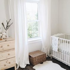 Cozy nursery in whites and creams Nursery Design, Nursery Decor, Earthy Home, Condo Living, Baby Bedroom, Nursery Inspiration, Nursery Neutral, Baby Boy Nurseries, Girl Nursery