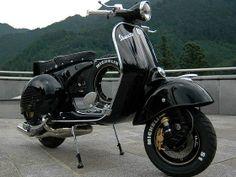 . Vespa Px 150, Piaggio Vespa, Lambretta Scooter, Scooter Motorcycle, Vespa Girl, Vespa Lambretta, Vespa Scooters, Classic Vespa, Classic Bikes