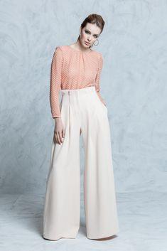 Resultado de imagen para conjunto blanco elegante para mujeres espalda ancha