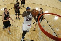 LeBron James Uses Madison Square Garden Stage to Remind NBA Who Remains King