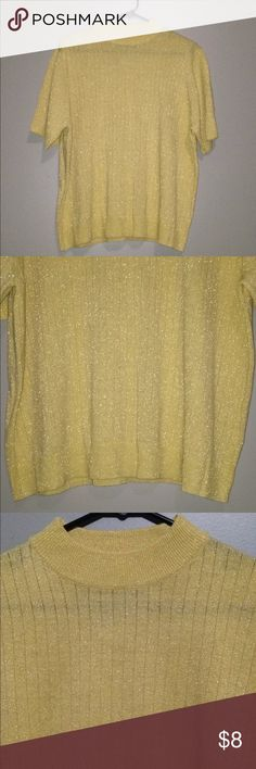 Gold Shimmery Holiday Ribbed Sweater•Sz XL Sag Harbor Gold Shimmery Holiday Sweater•Short Sleeves•Ribbed•83% Acrylic, 11% Polyester, 6% Metallic•Thin, Breathable Fabric•Size XL🚫No Trades, No Try-Ons🚫 Sag Harbor Sweaters Crew & Scoop Necks
