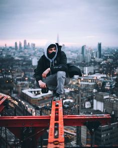 The ultimate selfie can bring kudos and cash to urban rooftoppers photography The lure of tall buildings: A guide to the risky but lucrative world of 'rooftoppers'