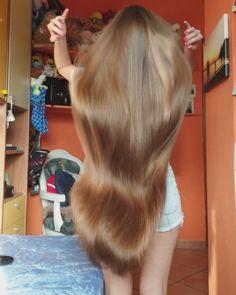 VIDEO on Instagram Medium Scene Hair, Curly Scene Hair, Short Scene Hair, Indie Scene Hair, Medium Hair Styles, Long Hair Styles, Scene Bangs, Hair Medium, Braided Hairstyles Updo
