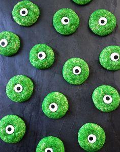 Halloween Cookie Recipes, Halloween Cookies Decorated, Halloween Sugar Cookies, Halloween Desserts, Holidays Halloween, Fall Halloween, Halloween Party, Halloween Baking, Halloween 2020