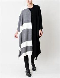 So beautiful...  Creatures of Comfort Elise Poncho Cashmere - Black