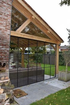 The roof flat but in wood? Sloping roof is not allowed?- Das Dach flach aber in Holz? The roof flat but in wood? Sloping roof is not allowed? With heating elements …. Outdoor Spaces, Outdoor Living, Pergola Designs, Backyard Designs, House Extensions, Winter Garden, Backyard Patio, My House, Gazebo