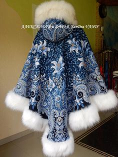 gorgeous embroidered cape with faux fur trim/