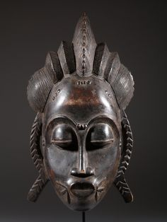 Baoule Mask - The Baule currently reside in central and eastern parts of Ivory Coast. Their masks are used for rituals related to agriculture, fertility and funeral ceremonies. Arte Tribal, Tribal Art, African American Art, African Art, African Sculptures, Art Premier, African Tribes, Masks Art, African Masks