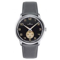 Junghans Uhr im Retro-Look.  https://www.uhrcenter.de/uhren/junghans/junghans-meister-uhren/junghans-meister-driver-handaufzug-uhr-027-3607-00/