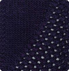 Florina: 30% Wool/Lã, 10% Alpaca, 10% Viscose, 50% Acrylic/Acrílico. Needles/Agulhas 6-6 1/2 (USA 10-10 1/2). Weight/Gramagem 50g = 90m (1.75oz = 98yds)