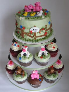 Baby Farm Animal Party? Think I might have to have a petting zoo to accompany this cake.