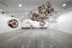 Cloud City @ Metropolitan Museum, New York // Tomás Saraceno Cloud City, Metropolitan Museum, Artist At Work, Installation Art, Constellations, Graphic Illustration, Sculptures, Chandelier, New York