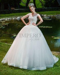 68d737488b8a ELISA 3  sposa  abiti  dress  bride  bridal  wedding  2017  impero   matrimonio  nozze