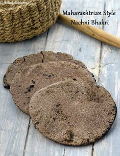 Calories of one Nachni, Ragi Roti, Is Ragi Roti Healthy for diabetics, heart patients? Protein Rich Foods, Fiber Rich Foods, High Protein, Roti Recipe, Biryani Recipe, Indian Food Recipes, Rice Recipes, Indian Foods, Indian Snacks