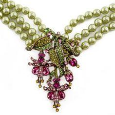Heidi Daus ~ Beautiful Bleeding Heart Crystal Drop Statement Necklace ~ I want!!