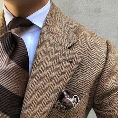 Winter browns. #men #menstyle #menswear #mensfashion #napoli #sprezzatuza #mensclothing #bespoke #dandy #gentleman #mensaccessories #mensstyle #tailor #milano #fashion #menwithclass #italy #style #styleformen #wiwt #suit #dapper #menwithstyle #ootd #daily #moda #stile #elegance #classy #mnswr