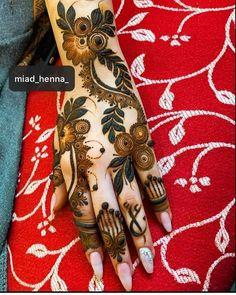 Dubai Mehendi Designs, Khafif Mehndi Design, Indian Henna Designs, Modern Henna Designs, Floral Henna Designs, Back Hand Mehndi Designs, Latest Bridal Mehndi Designs, Henna Art Designs, Mehndi Designs For Beginners