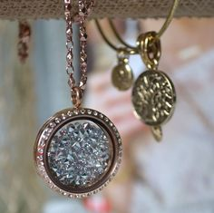 Locket and crystal embellishments South Hill Designs Locket Design, Jewelry Design, Jewelry Ideas, Jewelry Box, Rose Gold Locket, South Hill Designs, Beaded Wrap Bracelets, Bar Necklace, Personalized Jewelry