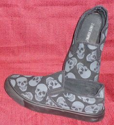 1f52cdee3ad Trendy Unisex Deck Shoes For Youth Size 4-6 From Hot Topic  fashion