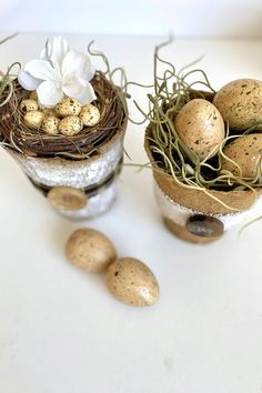 Make these cute DIY Mini Flower pots with eggs for your next Easter DIY project. Mini Flower Pots make great Spring DIY decor projects. Use them for Spring tablescape ideas, Spring DIY ideas, Easter DIY decor projects or Easter tabelscape ideas. #springdecor #easterdecor #diyproject #springdecorating #easterdecorating Diy Crafts Hacks, Diy Home Crafts, Diy Crafts Videos, Diy Crafts To Sell, Decor Crafts, Craft Projects For Adults, Diy Crafts For Adults, Easy Craft Projects, Diy Easter Decorations