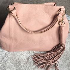 G.i.l.i Roma 2 blush Gili Roma 2 tote in beautiful blush. This is sold out and no longer available. Great quality leather handbag. Comes with dust bag. Brand new. G.i.l.i Bags Shoulder Bags