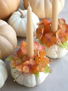 Deko Idee - Verwenden Sie Zierkürbisse als Kerzenständer